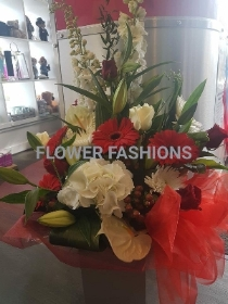 Luxuary Red & White Front Facing Bouquet
