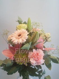 Bloom, Lily , Ballerina spray Rose Hand Tie